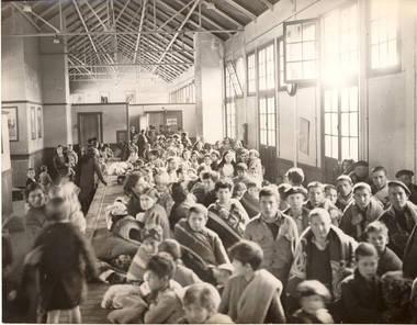 700-enfants-venant-d-Espagne-1939